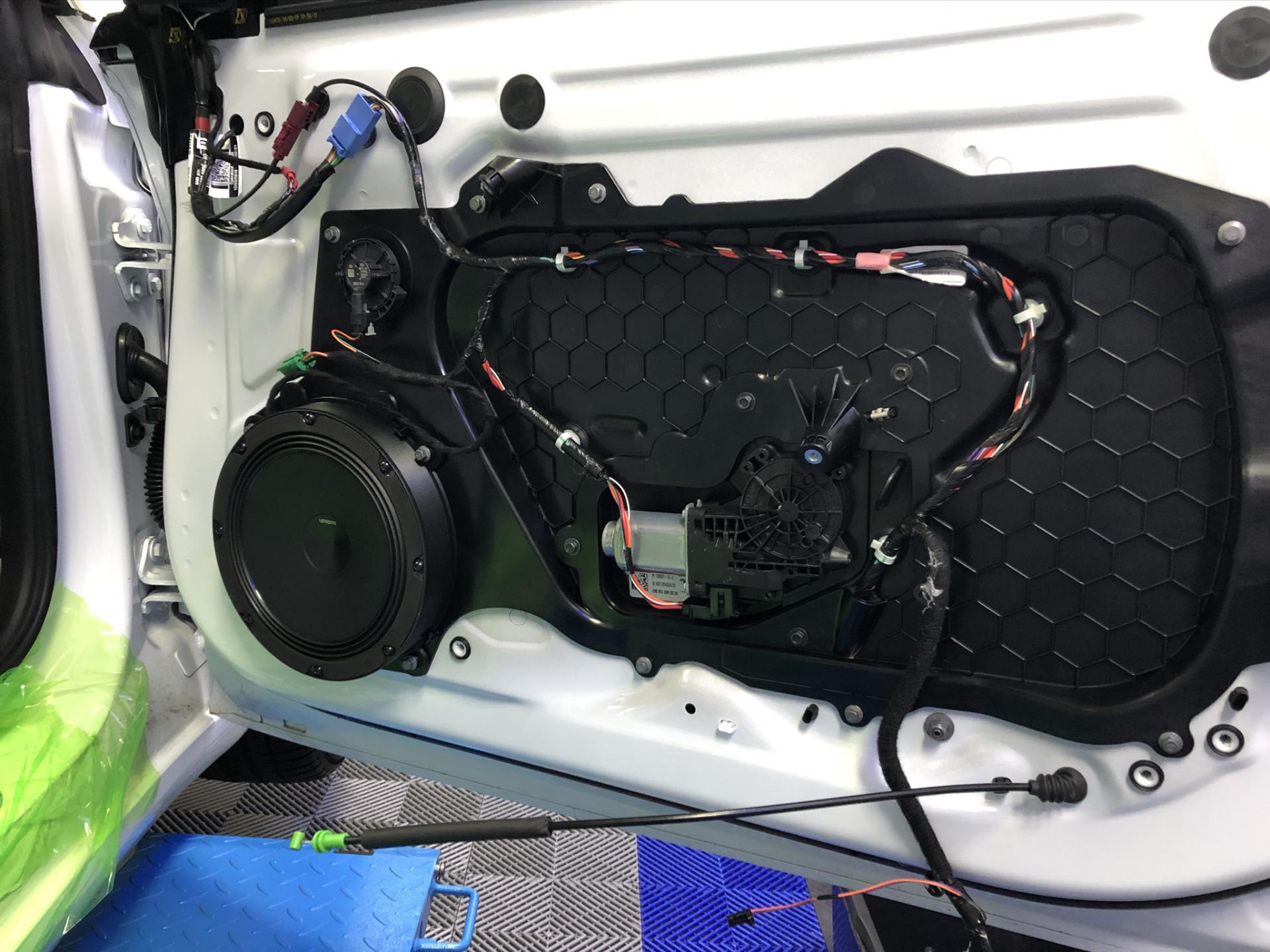 Tesla audio upgrade? Bekijk het eindresultaat - JB Car Systems