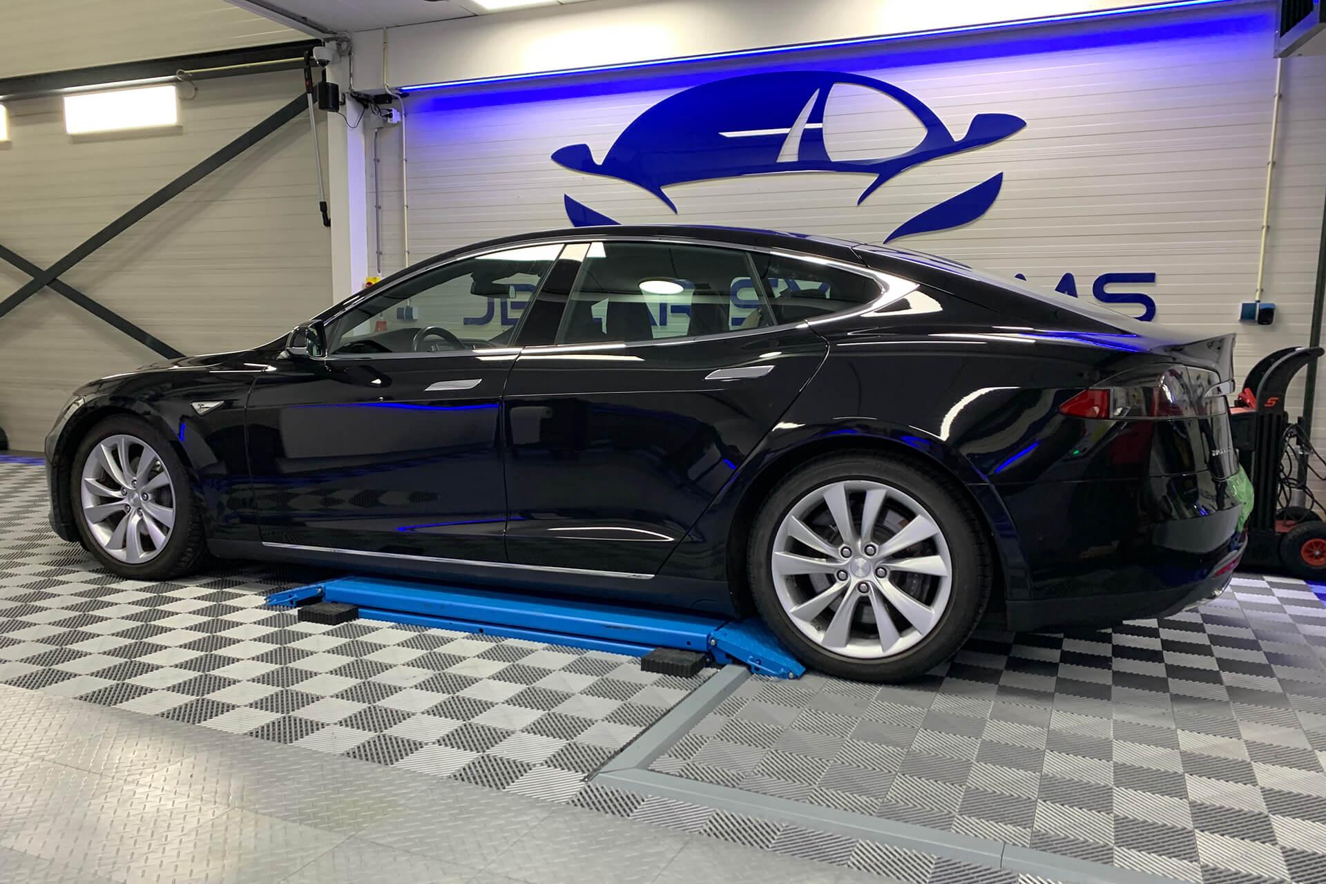 Audio upgrade Tesla Model S
